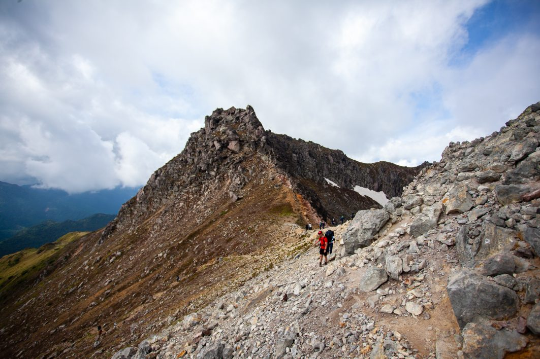 The final approach to the peak at Yake Dake